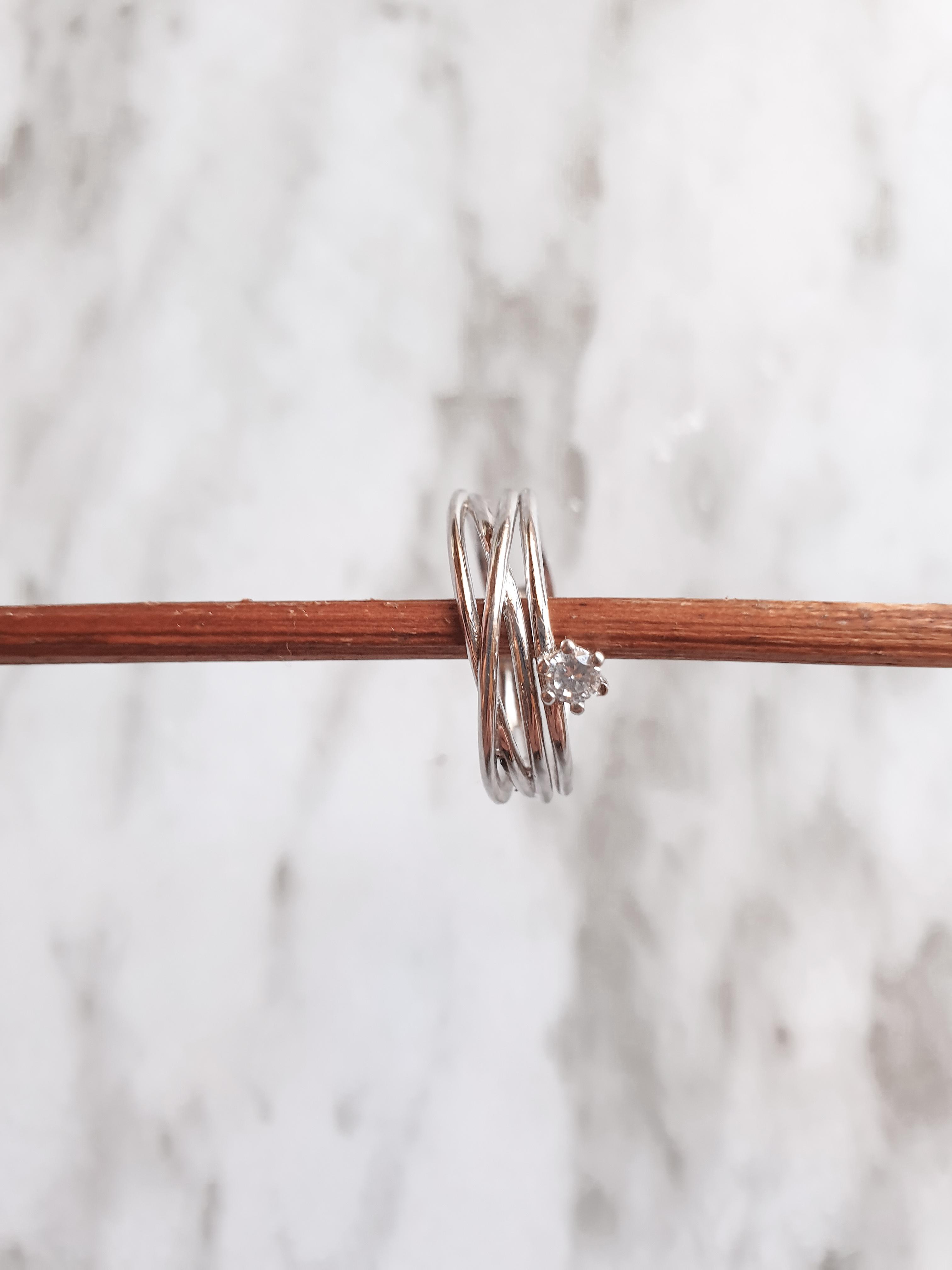 Anillo con circonita - Dosaes Jewelry